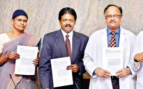 Doctors from MMC, ICH,Egmore and Nichi-In Centre present a report on the use of polymer scaffold for stem cell study | Jawahar