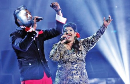 Ganesan and Iris sang Varuthu Varuthu in the third round of Superstar Challenge 2014. Read more: Surprise win at Tamil singing contest - Sunday Life & Times - New Straits Times