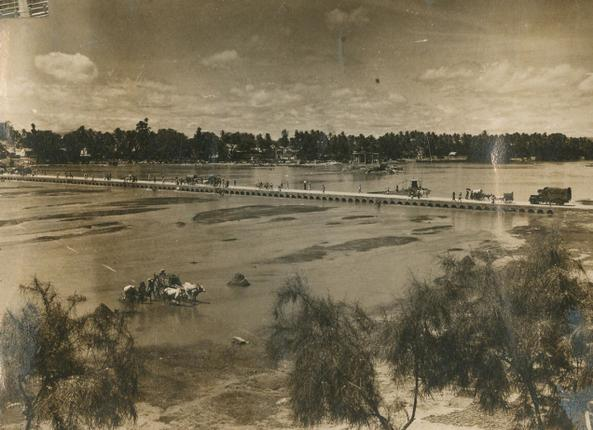 A view of flowing of the Vaigai river and pathway for pedestrains at Madurai. Photo: The Hindu Archives