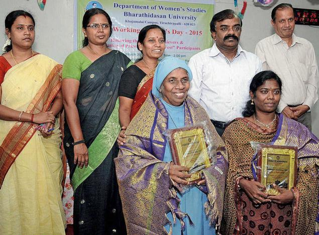 PROUD MOMENT:Thenmozhi and Sister Stella who received awards for writings in Tamil and social work.— PHOTO: A. MURALITHARAN