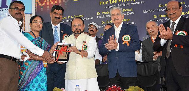 N. Santhiyakumari, Professor and head, Electronics and Communication Engineering, Knowledge Institute of Technology, Salem, receiving the Indian Society for Technical Education award at the 45th ISTE annual convention in Amravathi, Maharashtra.