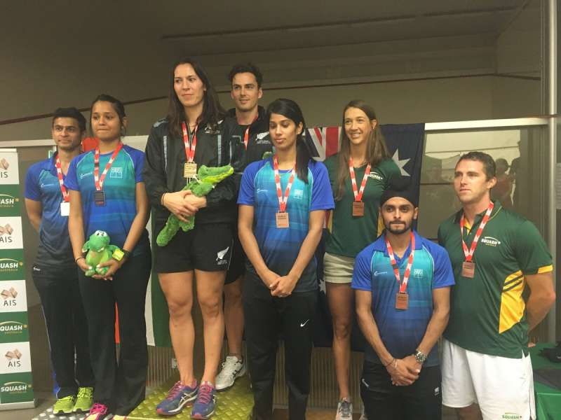 The Indian players on the podium during the mixed doubles medal ceremony (image courtesy: WSF World Doubles Twitter)