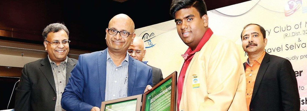 Srikrishna recieving the Young Achiever award