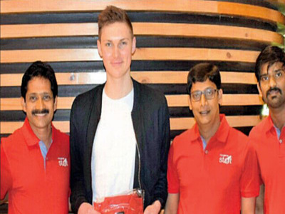 Viktor Axelsen with My Game Stat founders Sunil Kumar (extreme left), Senthil Kumaran (2nd from right) and Ashok B