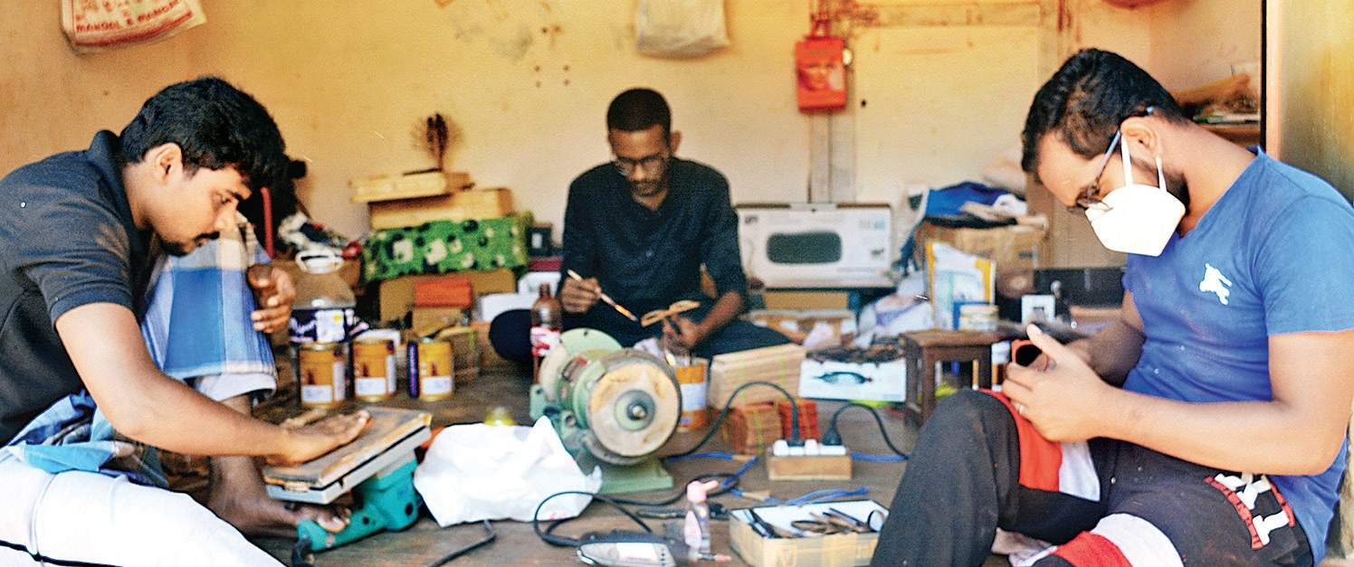 Artistes of Karaikudi, company's designers, handcrafting the eco-friendly products of Tetewood